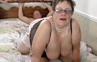 Glam pornolatinoamateur madura vistiendo y desnudándose