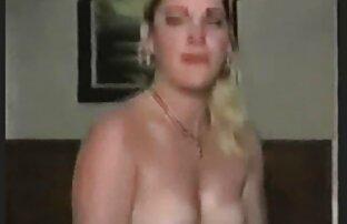 Fit la abuela se masturba en una pelota de amatur latino ejercicio