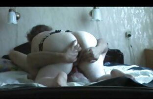 Remó videos amateurs latinos y azotó lesbianas de cerca