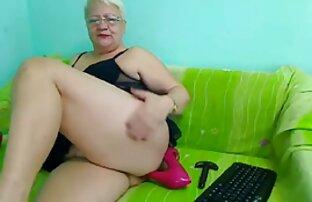 Kira estira su coño con un videos porno amateur latinos consolador brutal grueso